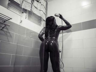 Miss Sweet wet and juicy awaits you