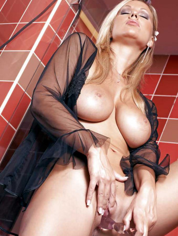 madeline-available-on-live-sex-cams-in-pluzine-big-7