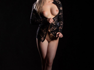 Bianca very friendly open minded party girl escort to visit you