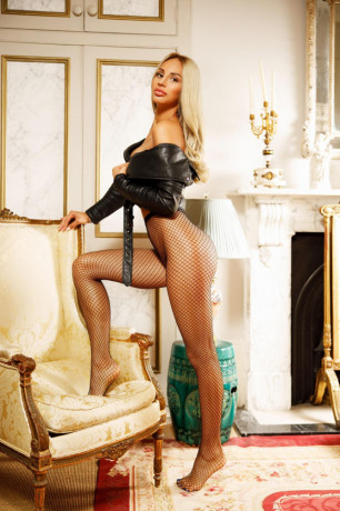 emmy-high-class-vip-partygirl-escort-incall-and-out-westminster-london-big-1