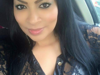 Latina Sexy Hermosa Mamy Karolina